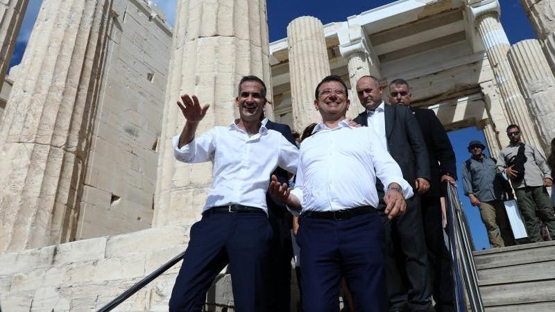 Yunanistan İmamoğlu'nu yere göğe sığdıramadı