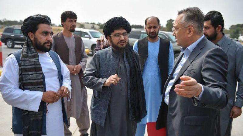 Kırgızistan'dan insani yardım taşıyan uçak Afganistan'a ulaştı