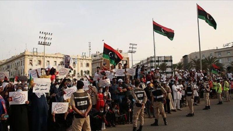 Libya'da binlerce kişi 'güvenoyu kararı'nı protesto etti