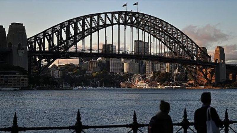 Delta varyantına karşı tedbir alan Avustralya'da son 24 saatte 12 kişi öldü