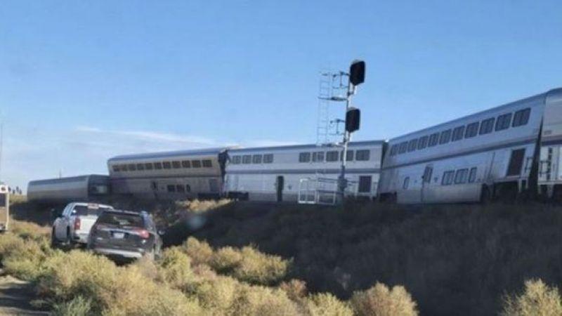 ABD'de yolcu treni raydan çıktı: 3 ölü