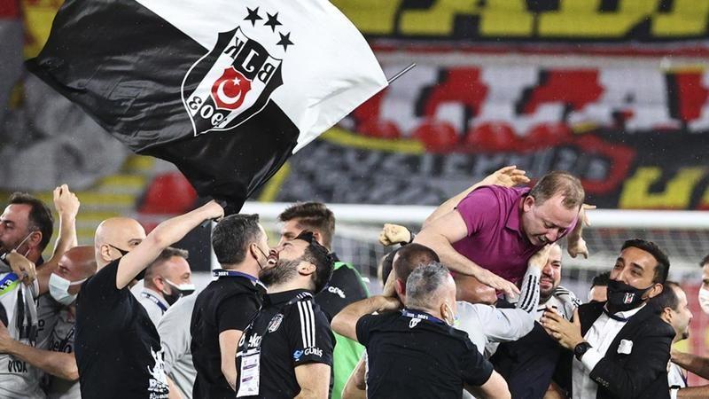 Beşiktaş Avrupa'daki 226. maçında Ajax'a konuk olacak