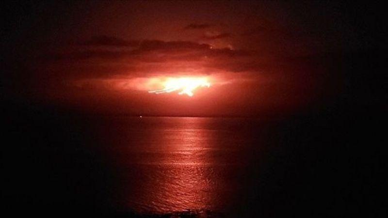 Cumbre Vieja Yanardağı'ndan çıkan lavlar denize doğru ilerliyor