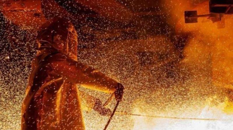 Dünya devleri üretimi durdurdu, mum ışığında çalışıyorlar