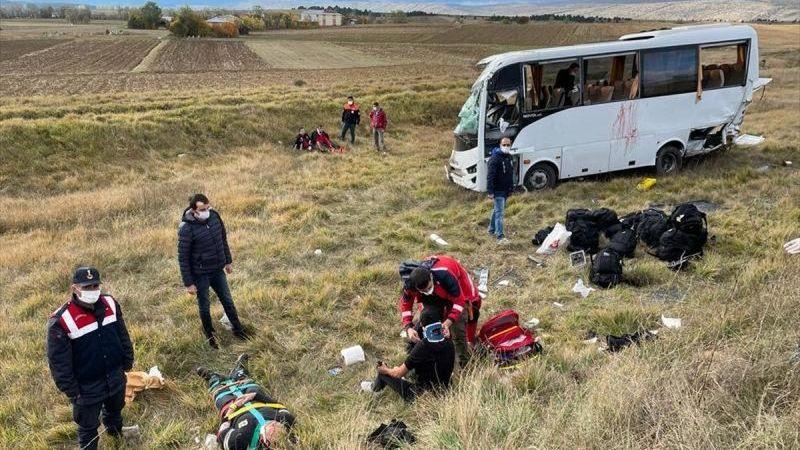 Kastamonu'da polis servisi devrildi: Çok sayıda yaralı var