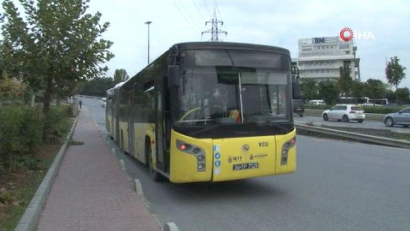 Yolda kalan İETT otobüsü şaşırtmadı