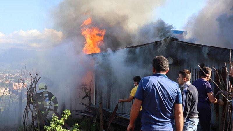 İzmit'te 5 yaşındaki çocuk evi yaktı
