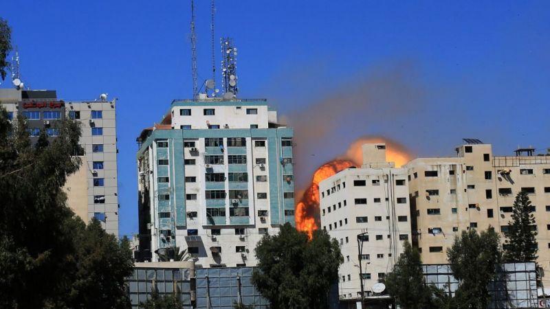 İsrail, Gazze'de medya devlerinin binasını vurdu!