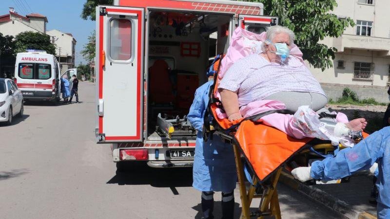 200 kiloluk Covid-19'lu hastaya film gibi kurtarma operasyonu