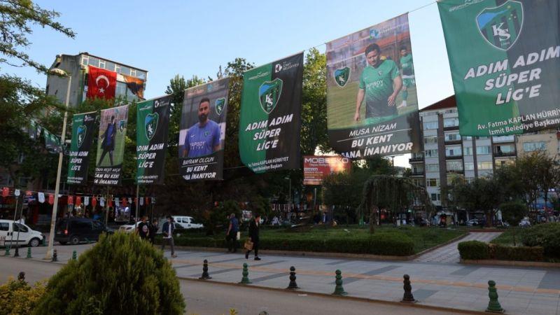 İzmit sokakları Kocaelispor bayraklarıyla donatıldı