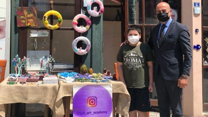 Kemoterapi tedavisi gören Barış kendi yaptığı bileklikleri satacak