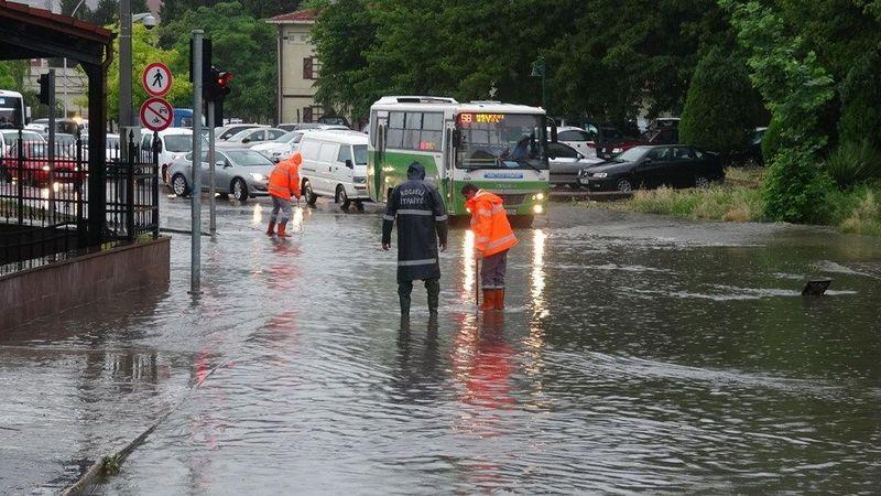 Meteoroloji'den Kocaeli için gök gürültülü sağanak yağış uyarısı