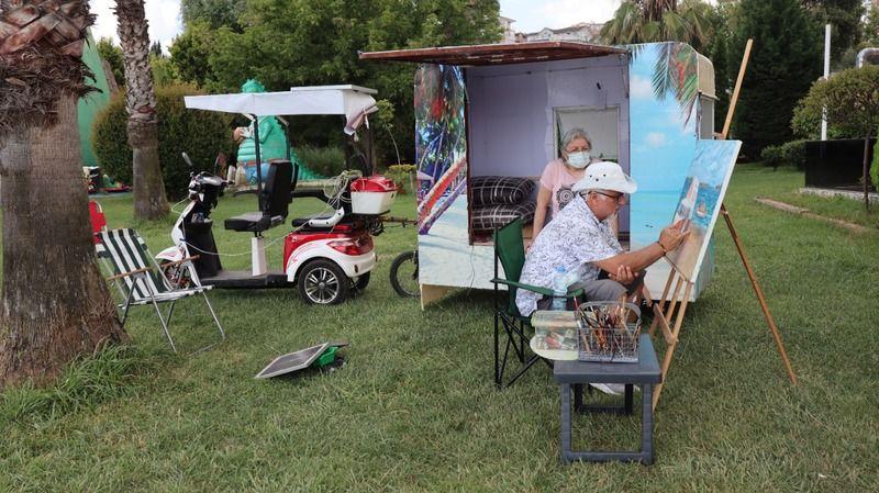 Parkinson hastası eşi için karavan tasarladı