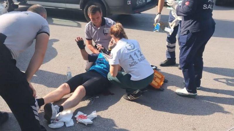 Kaza yapan bisikletliye ilk müdahaleyi Büyükşehir personeli yaptı