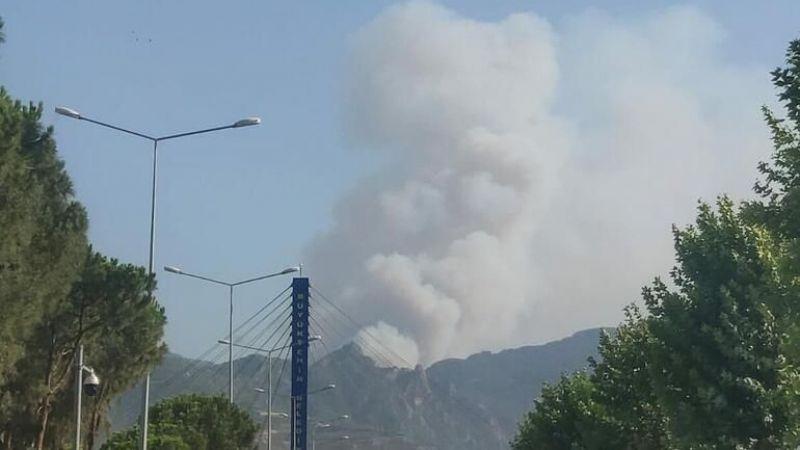 Alevler Menteşe'ye ulaştı, tahliyeler başladı! Ağaçlar kesiliyor