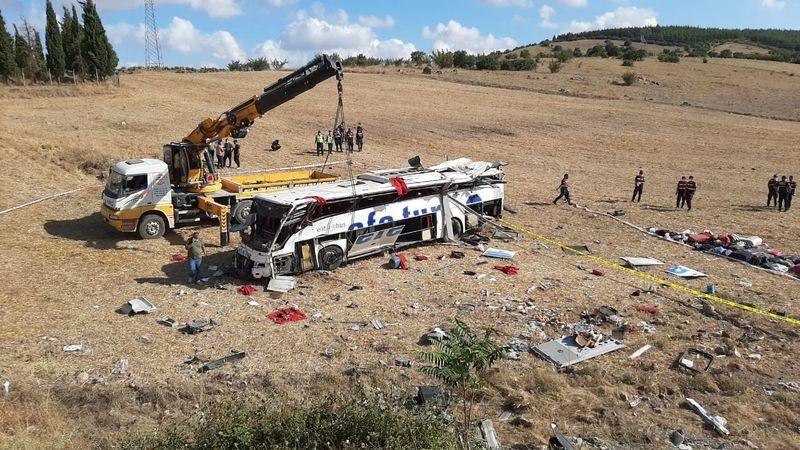 Takla atan otobüse 16 kişi İzmit'ten binmiş!