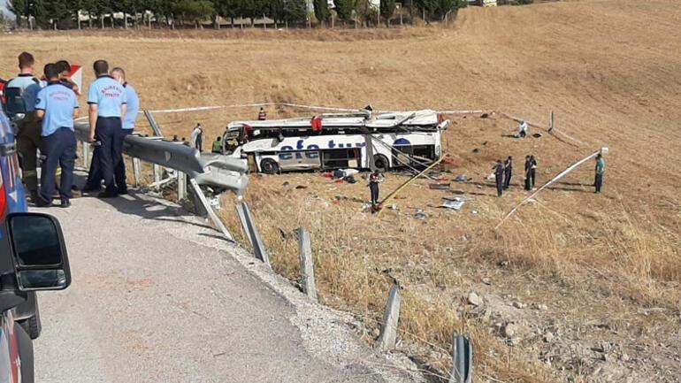 Otobüs kazasında yaşamlarını yitirenler toprağa verilecek
