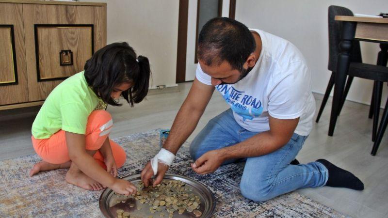 6 yaşındaki Zeynep kumbarasını yangınzedeler için bağışladı