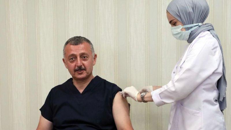Üçüncü doz aşısını oldu, Kocaelilileri aşı olmaya davet etti