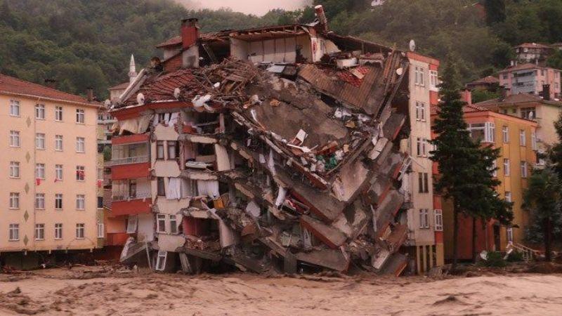 Sel felaketinde yıkılan bir binanın müteahhidi gözaltına alındı