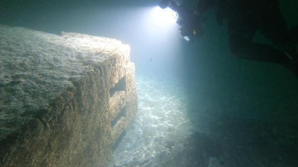 Depremin izleri deniz altında duruyor