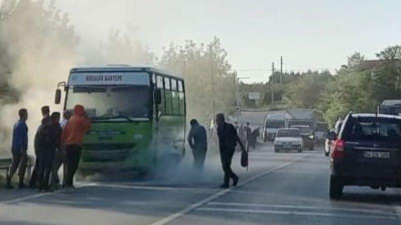 Kocaeli'de minibüs alev aldı!