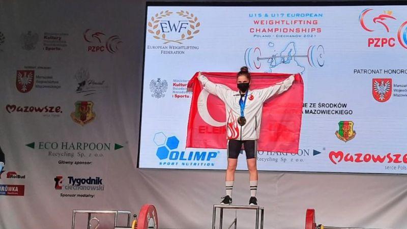 Kağıtspor'lu Ceren Akarsu Avrupa şampiyonu oldu
