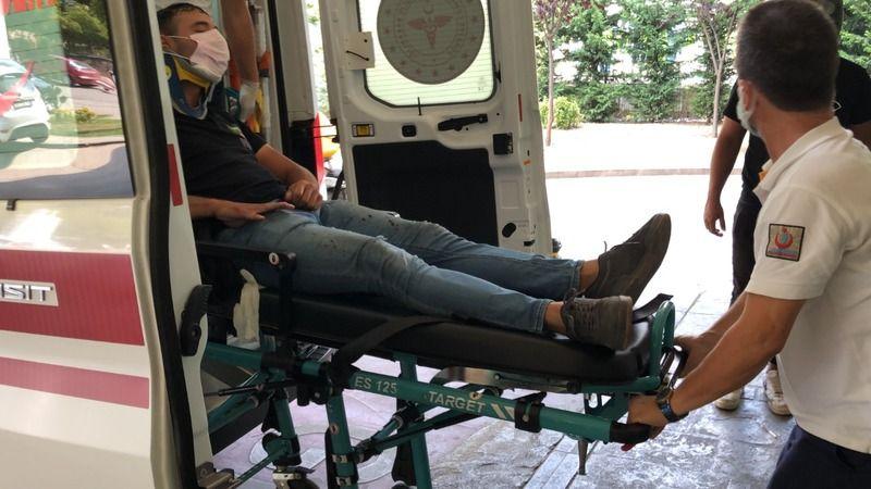 Otomobile çarpan motosikletli kurye yaralandı