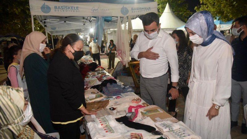 Kadınların el emeği ürünleri satışa sunuldu