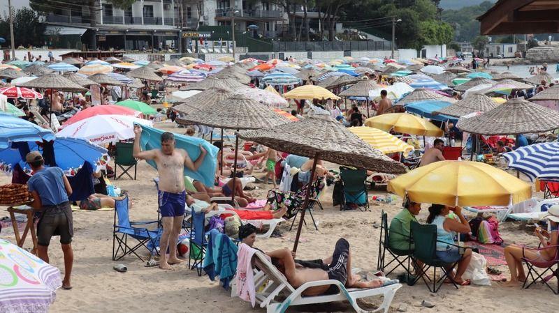 Kocaeli'de plajlar doldu taştı