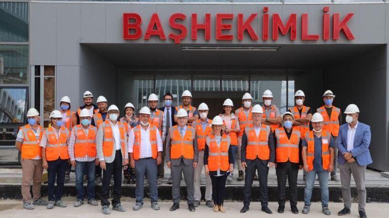 Ellibeş ve Zeybek'ten Kocaeli Şehir Hastanesi'ne ziyaret