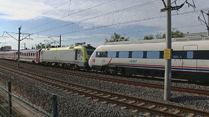 Hızlı trenle karşı yönden gelen tren kafa kafaya geldi! Facianın eşiğinden dönüldü