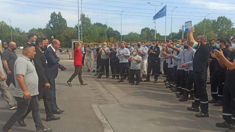 Prometeon işçisi, Alaaddin Sarı'yı sloganlarla karşıladı