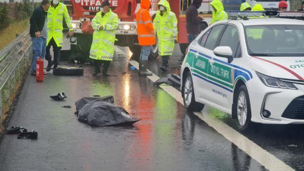 Otomobil, TIR'a çarptı: 1 ölü