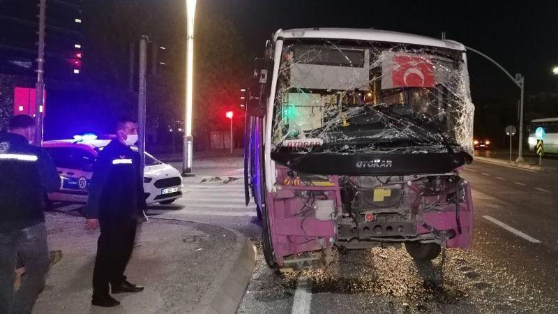 Kocaeli'de feci kaza! TIR ile yolcu otobüsü çarpıştı