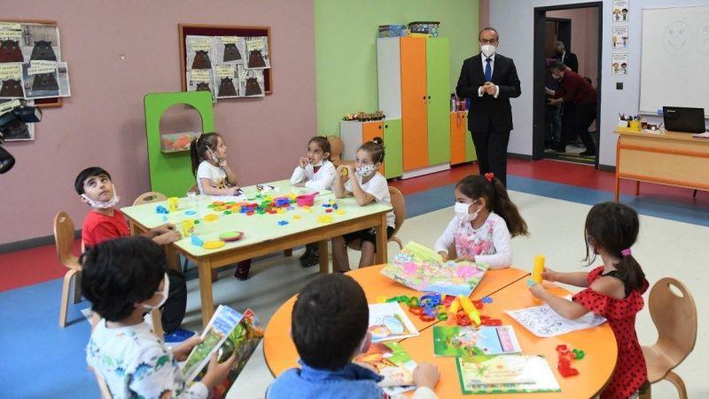 Vali Yavuz okullarda alınan pandemi tedbirlerini inceledi