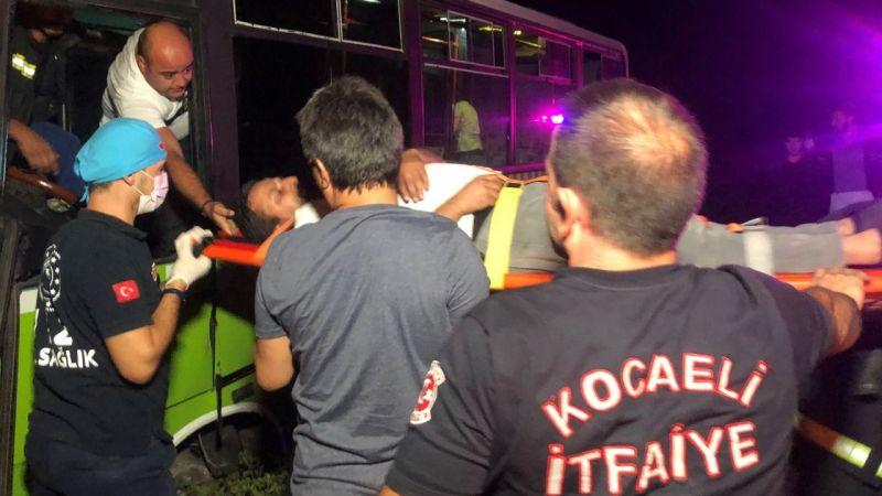Kazada yaralanan otobüs şoförü, Çalışmam lazım diyerek ambulanstan inmeye çalıştı