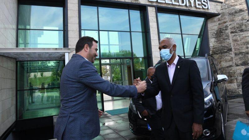 Başkan Özlü'ye Maldivler'den ziyaret