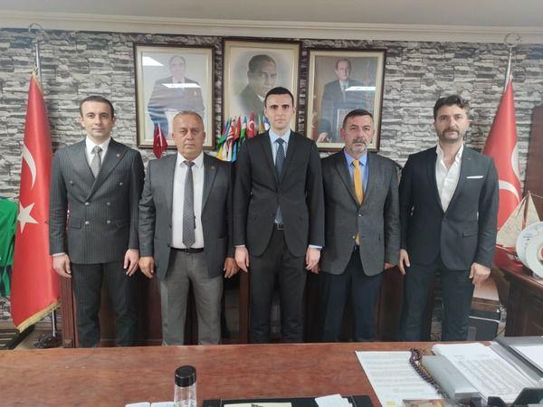 Büyükşehir meclisi öncesi MHP'liler bir araya geldi