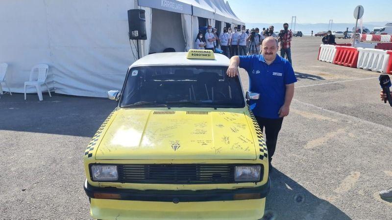 Bakan Varank'tan otonom araçlar yapan gençlere destek