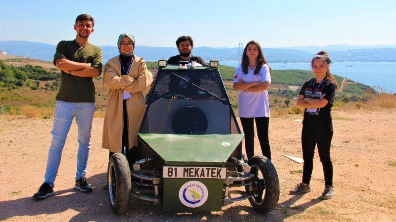 Üniversite öğrencilerinin geliştirdiği sürücüsüz araç arazide zorlanmadan ilerliyor