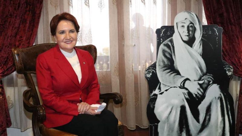 İzmit'e gelen Akşener önce Atatürk Evi'ne gitti