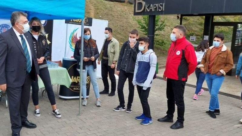 Kocaeli Üniversitesi öğrencileri El Ele Güvenli Geleceğe Projesi kapsamında bilgilendirildi