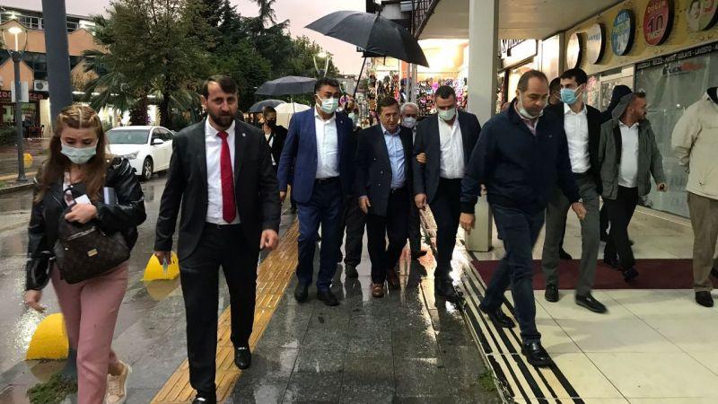 İYİ Partili Türkkan'dan Gölcük'te esnaf ziyareti
