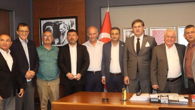 Veli Ağbaba, CHP Kocaeli teşkilatını ziyaret etti