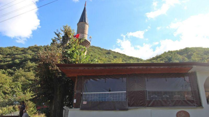 Gölcük'te minaresi var ama cami yok