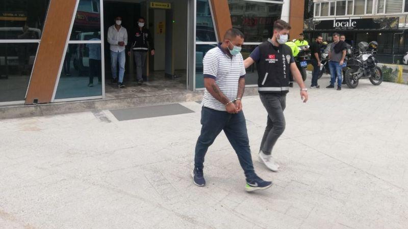 İzmit'te kamyonet çalan hırsızlar yakalandı
