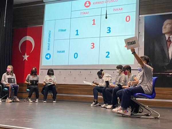 Bilnetli öğrencilerden alkışlanacak performans