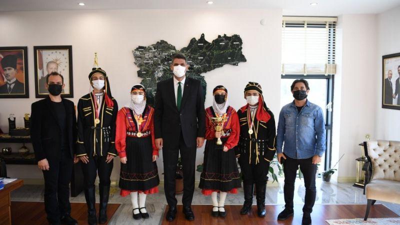 Halk Oyunları Dansları Topluluğu birinci oldu