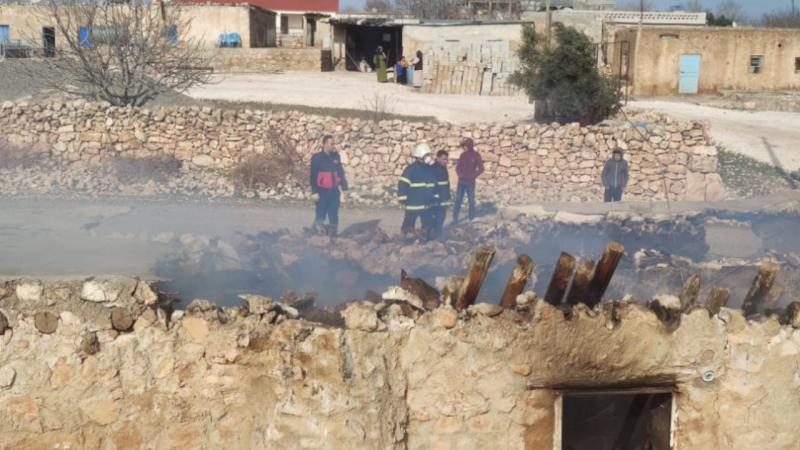 Urfa'nın ilçesinde korkutan ahır yangını!